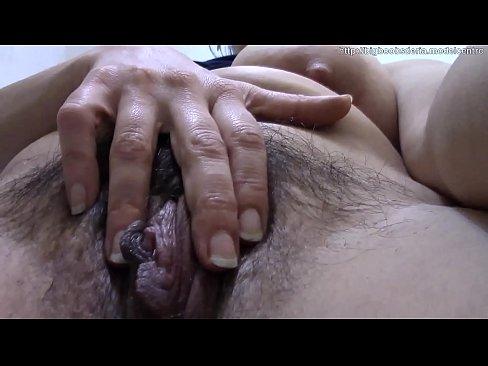Lekker pissen tijdens het masturberen