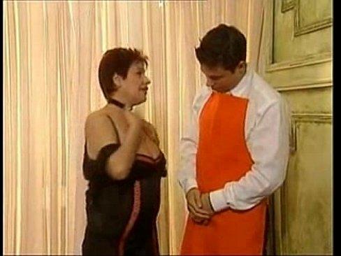 Moeder en zoon hebben een incest plasseks feestje